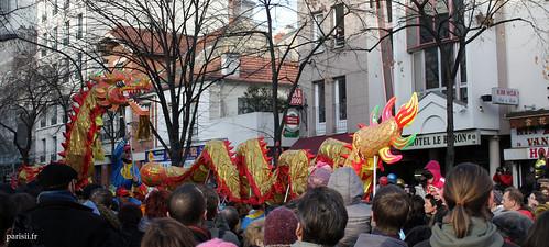 Ce sont les hommes qui donnent vie au Dragon chinois