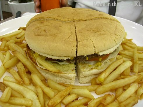 The Giant Yankee Burger RM43.50