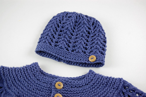 February Baby Hat 02