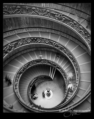 Vatican Spiral Down (Sean Molin Photography) Tags: city vatican rome roma beautiful stairs spiral soldier european roman geometry stairway staircase symetry epic vaticanmuseum doublehelix spiralstaircase gladiator stpetersbasilica 14mm windangle vacationeuropeitalyrome2009marchvacationitalli vacationeuropeitalyrome2009marchvacationitallian seanmolin wwwseanmolincom committeeofartists