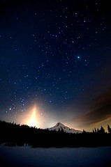 Hood at Night (Nathaniel Reinhart) Tags: light night stars beam mthood hood nightsky nathaniel mounthood starfield reinhart mounthoodnationalforest beamoflight snowcoveredpond tokina1116 nathanielreinhart underallthatsnowisalittlepond wewereverycarefultostayoffofthepond