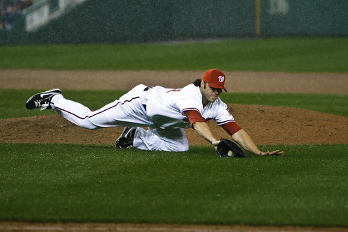Joe Beimel injures hip making defensive play