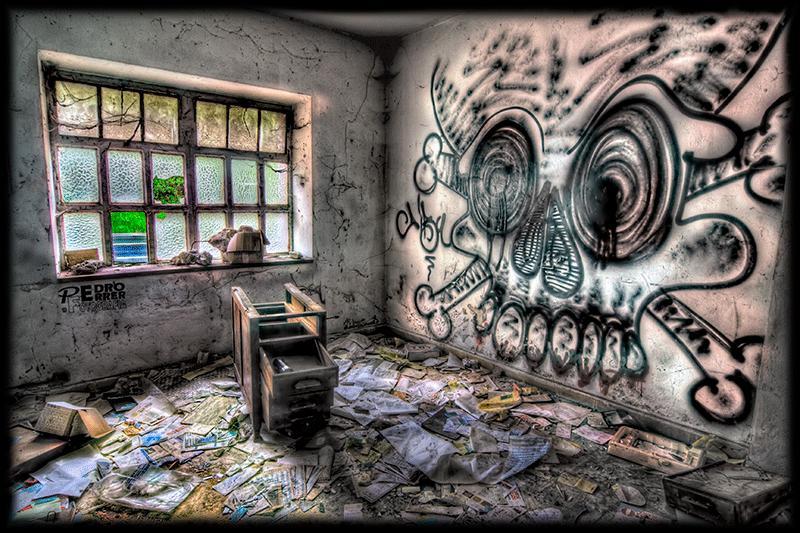 Industrial decay - skull room