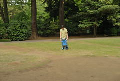 _2 (nakimusi) Tags: green garden tokyo spring child may  gw meguro shirokanedai   goldenweek      nikond60     tokyometropolitanteienartmuseum