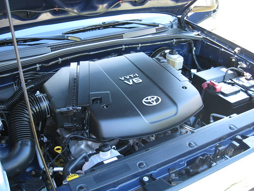 Toyota Tacoma engine