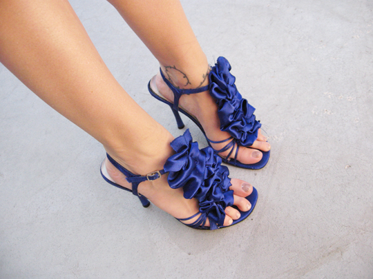 blue-ruffle-shoes-3