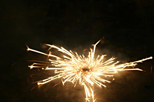 Spinny firework