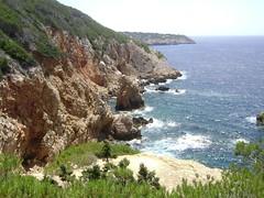 Les Lecques (Hlne_D) Tags: sea mer france landscape paca provence paysage var picnik mediterraneansea mditerrane saintcyrsurmer mermditerrane leslecques provencealpesctedazur sentierdulittoral hlned