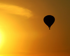 Silhouette - National Balloon Classic (Don3rdSE) Tags: sunset sky sun color canon golden action balloon july iowa powershot ia hotairballoons indianola nationalballoonclassic g9 mywinners abigfave platinumphoto superaplus platinumheartaward canong9 don3rdse desmoinesisnotboring wwwdesmoinesisnotboringcom