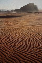 Forzas do Wadi Rum (_madmarx_) Tags: mountain texture textura sand waves desert wind dune wadirum middleeast jordan area desierto retocada vento dunas deserto xsi jordania texturized canoneos450d platinumheartaward madmarx texturapiedrapais