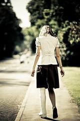 879023 walking along the road (fascina) Tags: leg sac lac cast slc llc gesso gips caster lafs yeso sats casted platre safs lats slwc llwc ingessatura ingessata