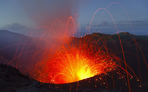 Strong volcanic explosion at Yasur volcano (Vanuatu) | Flickr ...