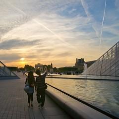 Au Louvre un soir (Zed The Dragon) Tags: city morning