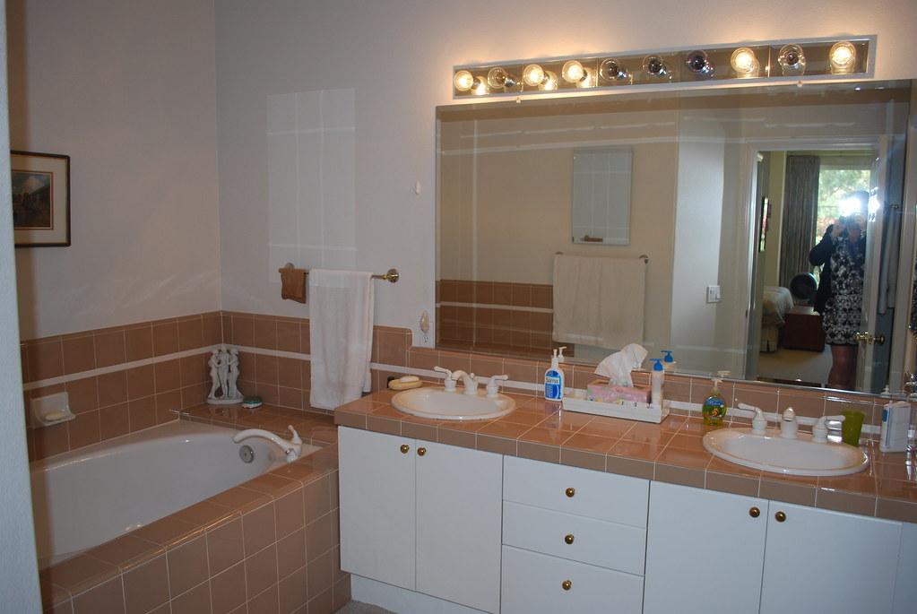 Corte Riviera Master Bath1