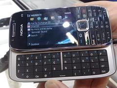 Nokia E75 (open)