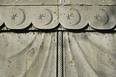 Moon and stars (tommyajohansson) Tags: moon london grave stars star explorer mausoleum crescentmoon mortlake faved gravemonument guessedbymintea tommyajohansson sirrichardfburton