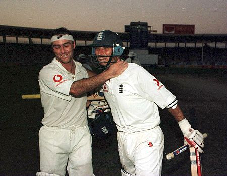 Nasser Hussain and Graham Thorpe celebrate after beating Pakistan -England vs Pakistan 3rd test Karachi 2000