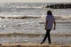 Núria (kieto_parao) Tags: beach nikon playa arena ola platja sorra cubelles d40x dedicadasaciganxo