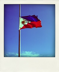 Ready to defend (Mar Francisco) Tags: philippineflag poladroid