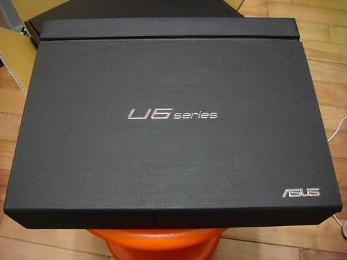 Asus U6Vc 筆電 ─ 硬紙盒