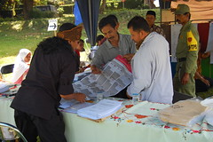 The Decision Maker (Ikhlasul Amal) Tags: booth democracy election vote 2009 counting pemilu ballot legislative tps tempatpemungutansuara vooting indonesiaelection2009