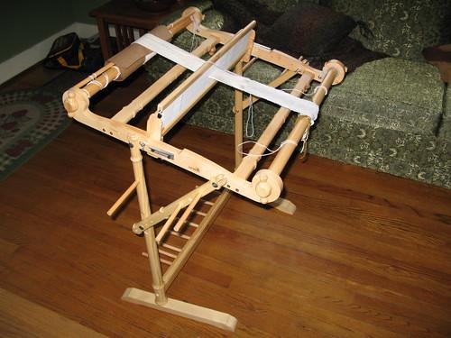 """Kromski Harp 24"""" and stand"""