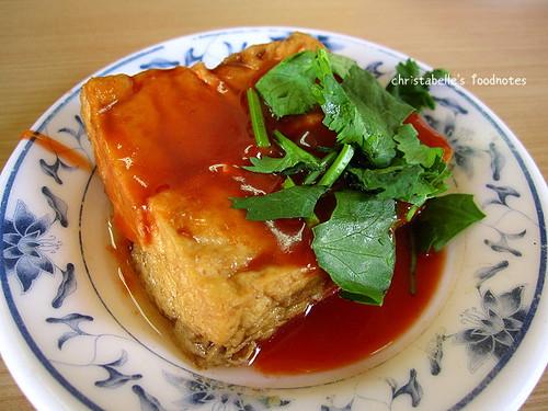 金鋒魯肉飯油豆腐
