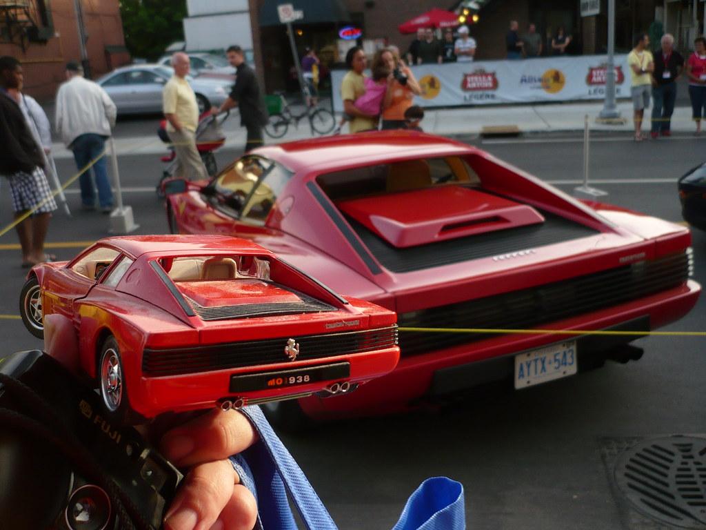 """Ottawa Ferrari Fest 2009 """"model shots"""": Ferrari Testarossa."""
