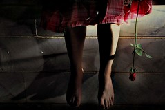 (DeLaRam.) Tags: light flower dark foot waiting نور ماشين love4ever delarammoobed ucome loveuevenafterdeath