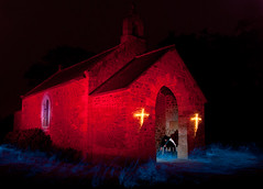 Attendu par la mort (apophisnico) Tags: light lightpainting church painting death lampe neon cross lumire mort sony eglise chapelle croix faucheuse a350 strobist cactustrigger cactusv4