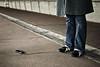 ! (janbat) Tags: bridge paris feet sol mobile 35mm nikon shoes phone ground asics pont f2 d200 nikkor asphalt gsm ladéfense chaussures téléphone misss jbaudebert