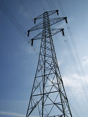 Electricity pylon (lydia_shiningbrightly) Tags: structure pylon electricity warwick electricitypylon saxonmeadow
