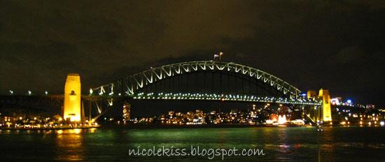 sydney harbour bridge dark