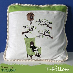 7 o'clock T-Pillow