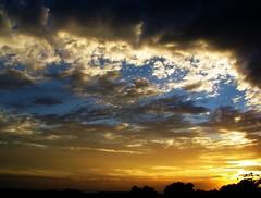 sunset (deekirby10) Tags: light sunset sun clouds heartawards mwqio
