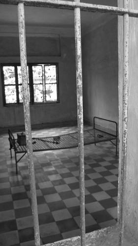 023.教室被用來作為行刑室