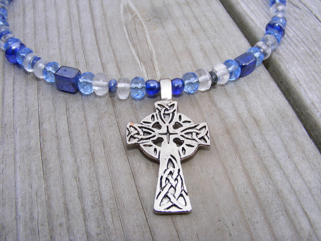 Celtic Cross Memorywire Necklace