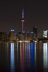 The CN Tower (Raf Ferreira) Tags: toronto ontario canada reflection tower water cn rebel long exposure torre 14 mm rafael 50 ferreira peixoto xti 400d