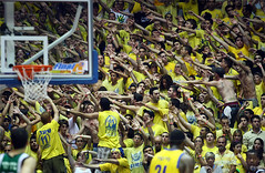 Maccabi Fans in Motion (Yaniv Ben Simon) Tags: motion basketball israel crowd fans maccabitelaviv  golddragon    goldstaraward yanivbensimon wwwybscoil