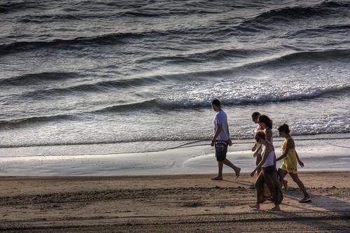 Familia madrugadora... en la playa de Mil Palmeras