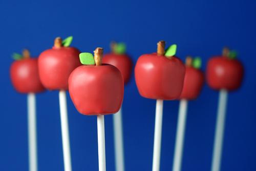 Apple Cake Pops by Bakerella.