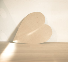 Saudades (Ale Marques Fotografia) Tags: light luz paper de nikon heart time coração washed papel d300 preset adobephotoshoplightroom nikond300 ampresetswashedtime