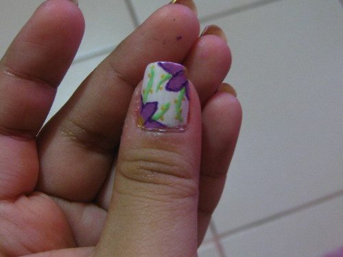 Nailart design Violet flower