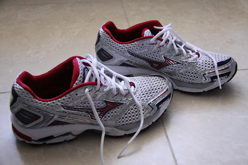 Mizuno Shoes 001