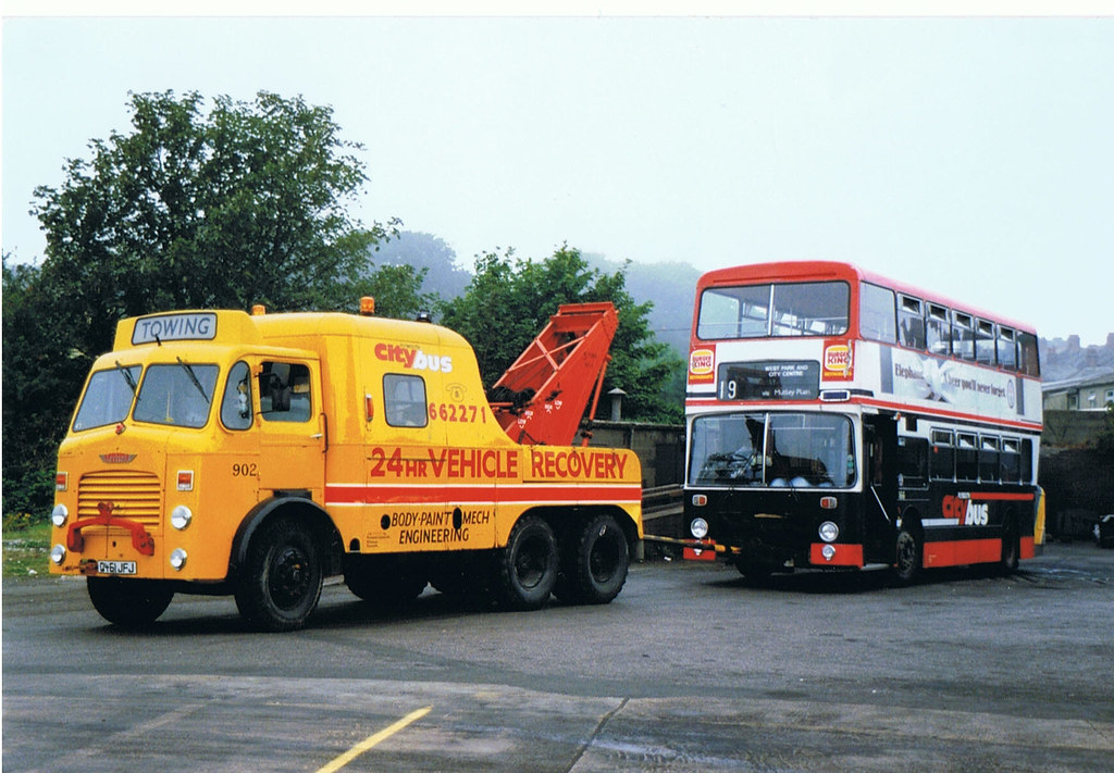 Plymouth Citybus and breakdown truck Alredbus