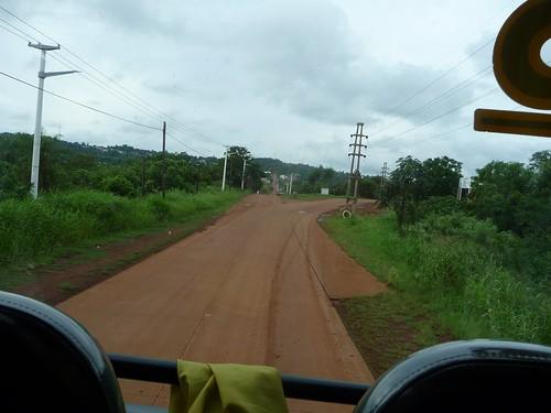 Sulla strada rossa per Puert Iguazù, nella regione di Misiones