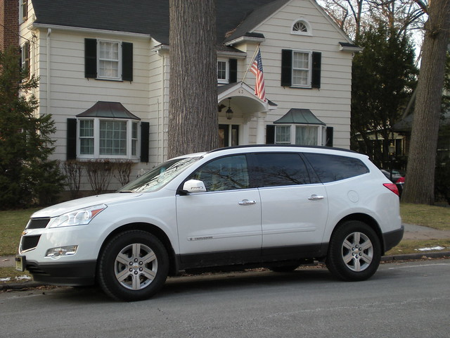 chevrolet traverse crossovervehicle eightpassengerwagon