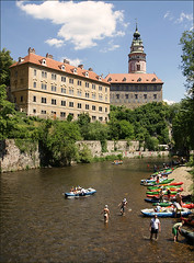 The Vltava in esk Krumlov (Foto Martien (thanks for over 2.000.000 views)) Tags: castle architecture landscape unesco rafting czechrepublic canoeing slot bohemia vltava krumau burg worldheritage watersport moldau eskkrumlov kastell eskrepublika schlos bohemen krummau werelderfgoedlijst sonyalpha350 southbohemianregion tsjechien welterbes martienuiterweerd