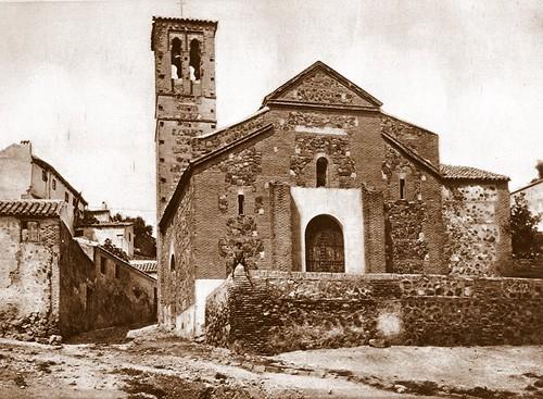 Iglesia de San Sebastián (Toledo) a principios del siglo XX. Foto Linares
