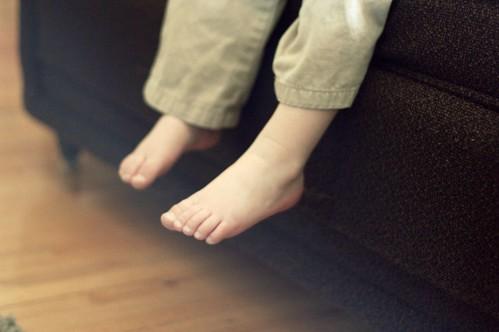 awwww, toes.